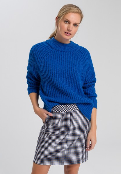 Jumper in chunky ribbed structure