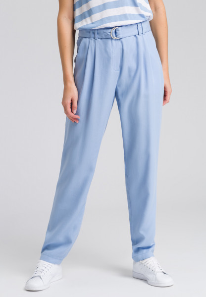 Wide leg trousers with loose cut