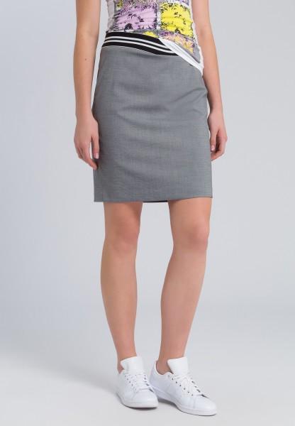 Mini skirt with an elasticated waistband