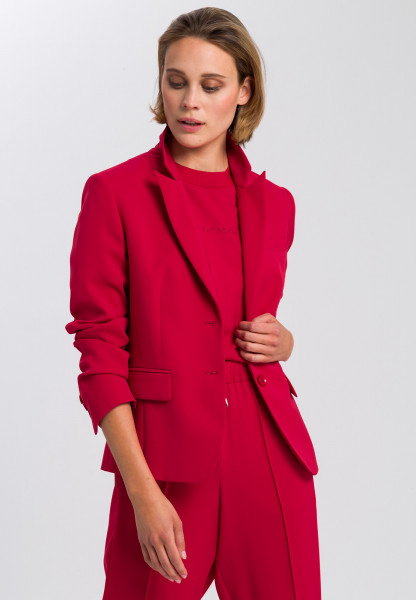 Blazer made from crease-free material
