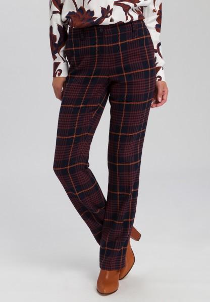 Pants in fashionable checks