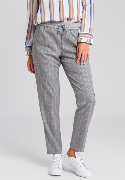 Jogging trousers with checked pattern