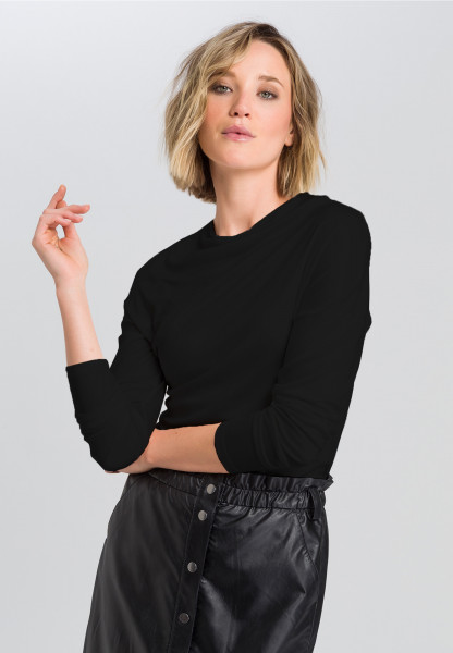 Shirt With cut turtleneck