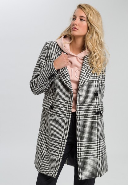 Coat in Glen plaid pattern