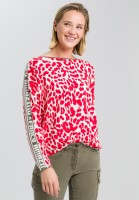 Sweaters with leopard print