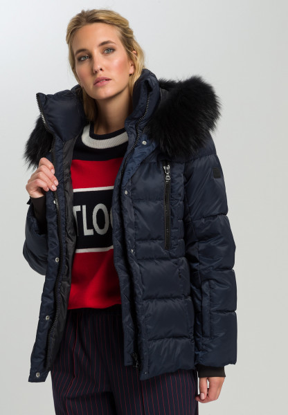 Outdoor jacket With real fur