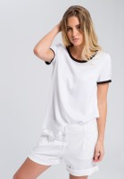Blouse shirt with contrast details