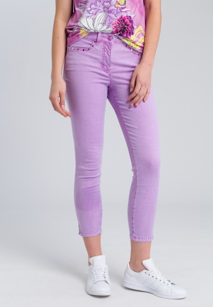 Skinny jeans with rivets