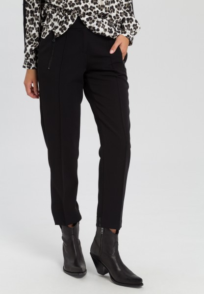 Business trousers with wording on rubber waistband