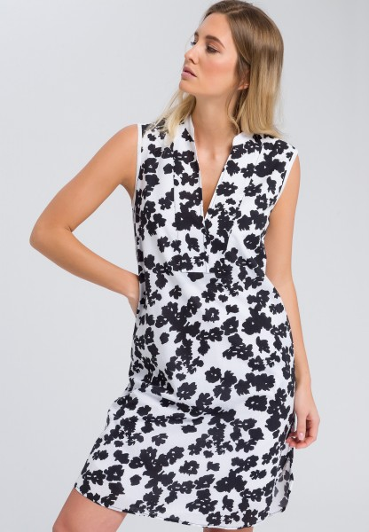 Tunic dress with floral pattern