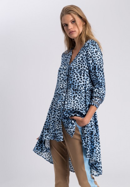 Long blouse with animal print
