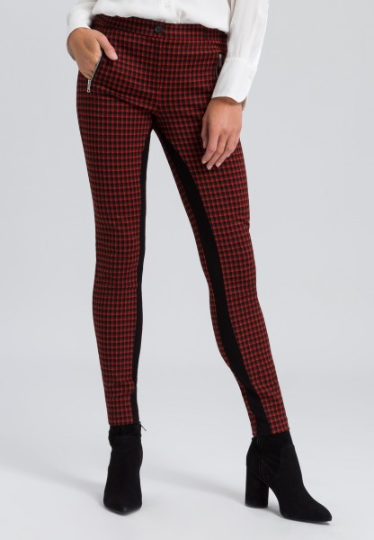 Trousers with houndstooth pattern