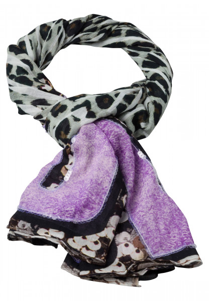 Rectangular scarf with striking animal print
