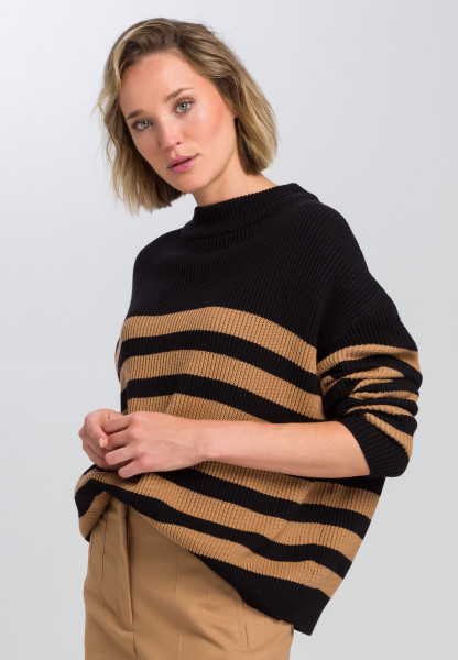 Oversized sweater With block stripes