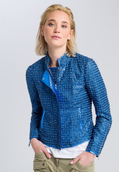 Short jacket with a distressed pattern