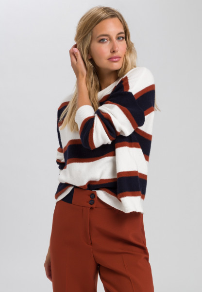 Sweaters with block rings