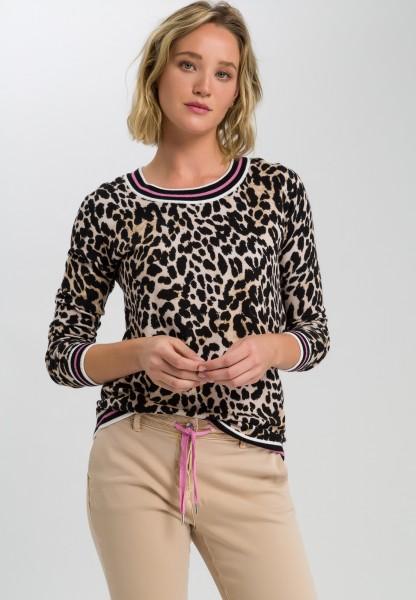 Jumper in leopard print