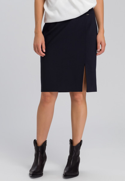 Skirt with a walking slit