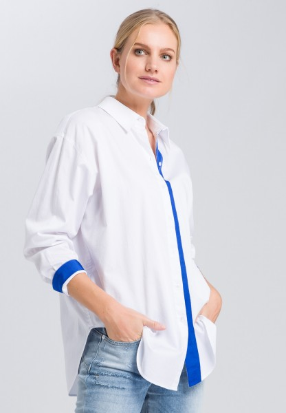 Blouse with contrasting tape