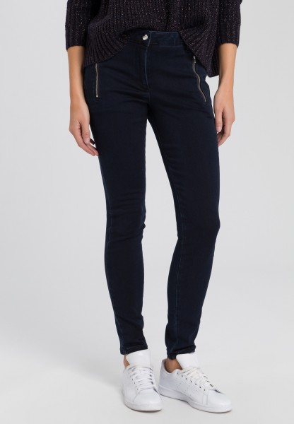 Jeans with zip-fastening pockets