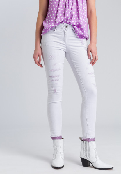 Skinny jeans in a destroyed look