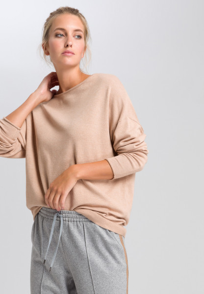 Basic sweater in oversized look