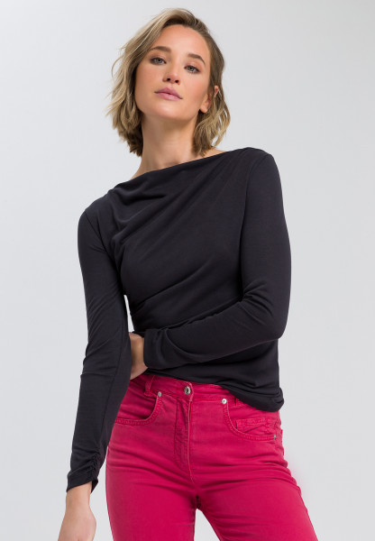 Long sleeve shirt drape