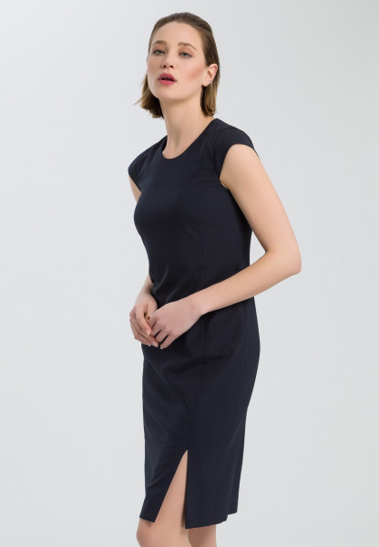 Sheath dress with a leo pattern on the inside