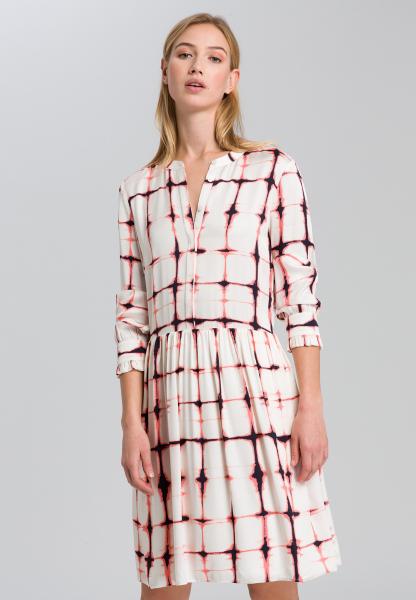 Dress in the graphic batik print