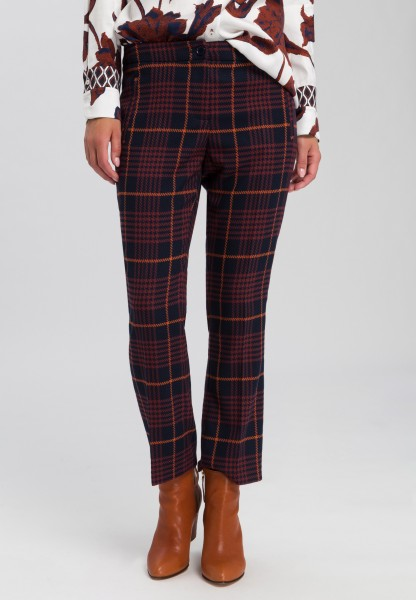Trousers in fashionable check