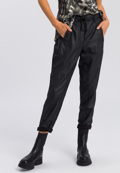 Jogging pants in leather-look