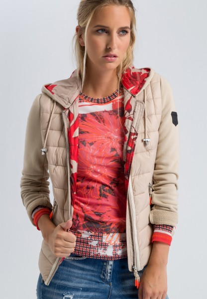 Quilted jacket with sweatshirt sleeves