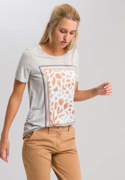 T-shirt with appliqued animal print