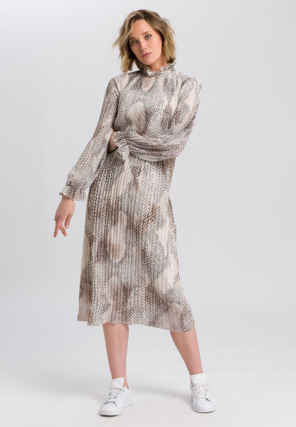 Pleated dress in snake print