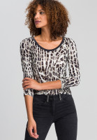 Shirt in the conspicuous animal print