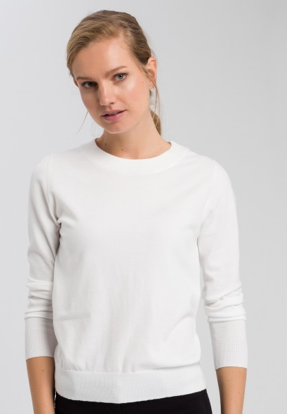 Jumper in basic look with round neck