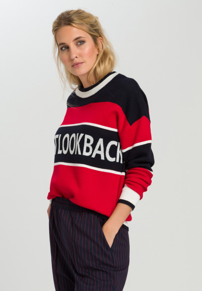 Sweaters With motto writing