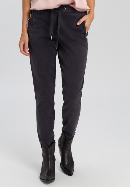 Trousers in jogger style
