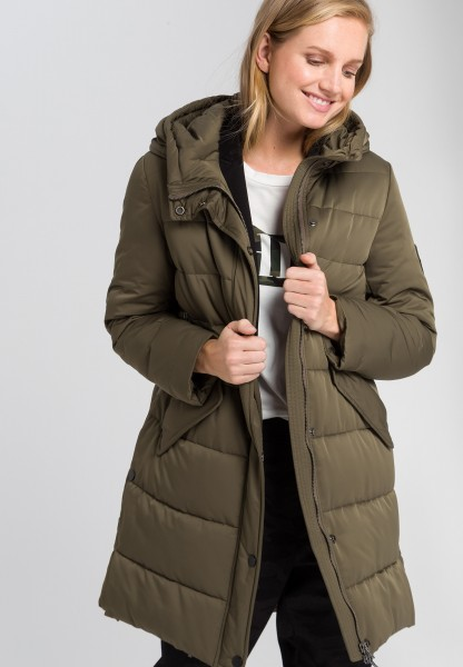 Outdoor coat with cross stitching